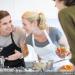 Les cours de cuisine sont l'occasion de partager de joyeux moments entre amateurs !
