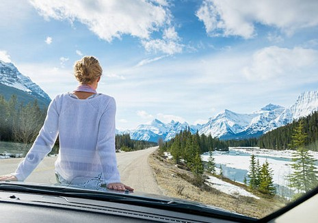 voiture-route-montagne