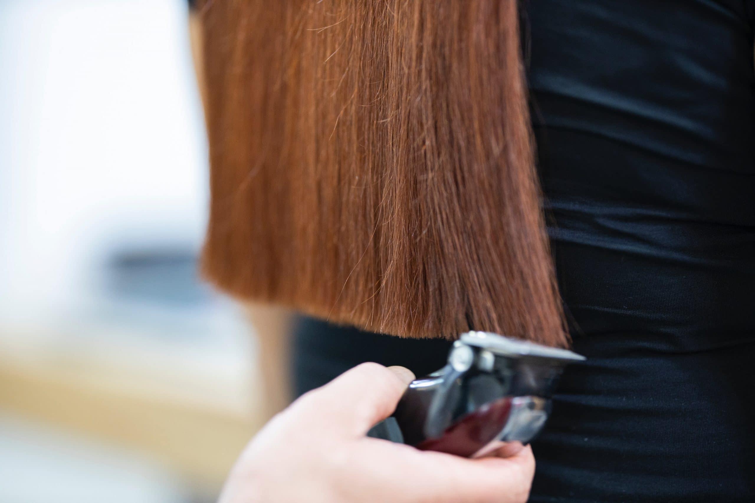 Devenir coiffeuse à domicile